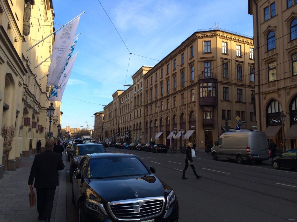Maximilianstrasse11